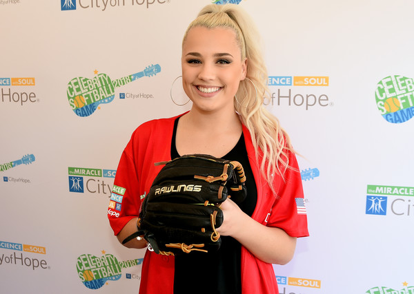 28th Annual City Of Hope Celebrity Softball Game - Arrivals