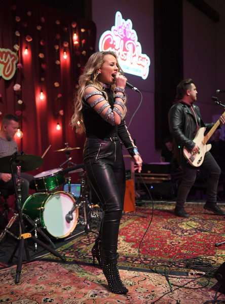 Radio Disney Country Let The Girls Play Pop Up Show
