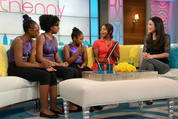 Gabrielle Douglas Bethenny Frankel Chats with Her Guests