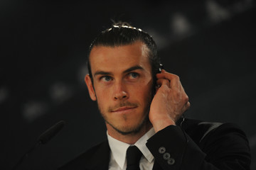 Gareth Bale Gareth Bale Signs New Contract at Real Madrid