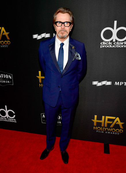 http://www3.pictures.zimbio.com/gi/Gary+Oldman+21st+Annual+Hollywood+Film+Awards+sBqSvHSD30jl.jpg