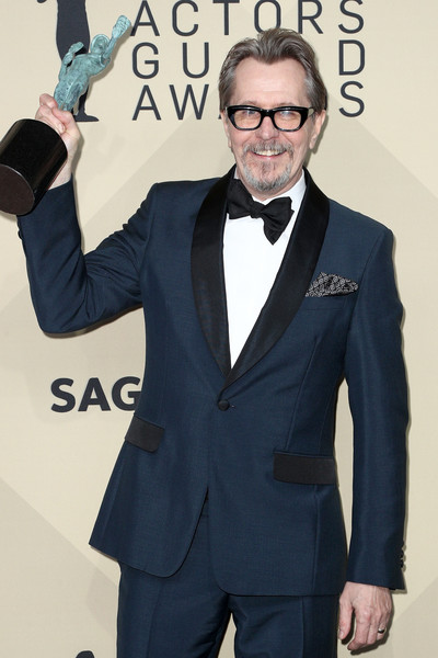 http://www3.pictures.zimbio.com/gi/Gary+Oldman+24th+Annual+Screen+Actors+Guild+D8WqMhIbC4Ll.jpg