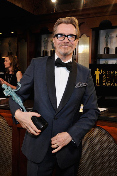 http://www3.pictures.zimbio.com/gi/Gary+Oldman+24th+Annual+Screen+Actors+Guild+R3kntZg4aIdl.jpg