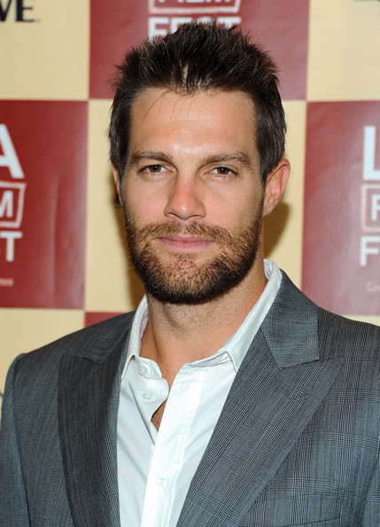 Geoff Stults - Wallpaper Actress