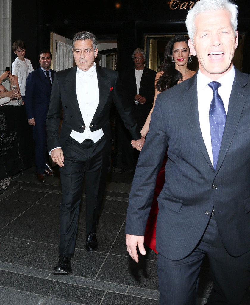 George Clooney at the Met Gala 4th May 2015 - Page 2 George+Clooney+MET+Gala+2015+Departures+Carlyle+2yG-tcs-C9ex
