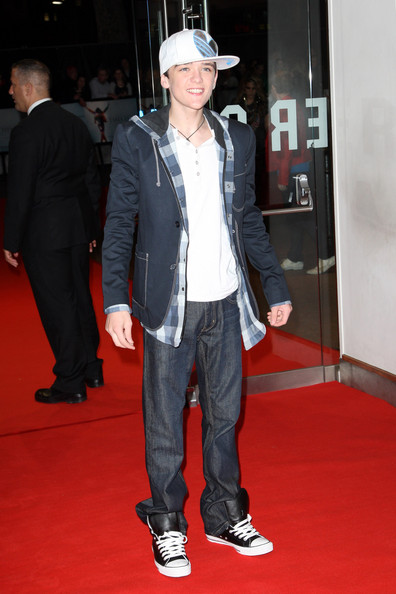 George Sampson - This Is It - UK Film Premiere Inside příletů