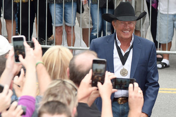 George Strait Country Music Hall of Fame and Museum Hosts Medallion Ceremony to Celebrate 2017 Hall of Fame Inductees