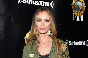 Georgina Chapman SiriusXM's Private Show With Guns N' Roses At The Apollo Theater Before Band Embarks On Next Leg Of Its North American 'Not In This Lifetime' Tour
