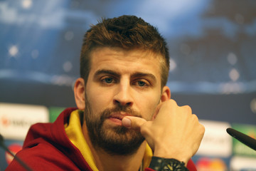 Gerard Pique Barcelona Training Session
