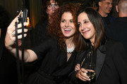 Debra Messing Photos Photo