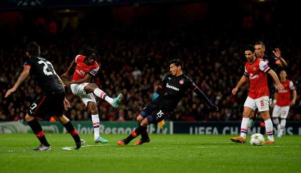Gervinho - Arsenal FC v Olympiacos FC - UEFA Champions League