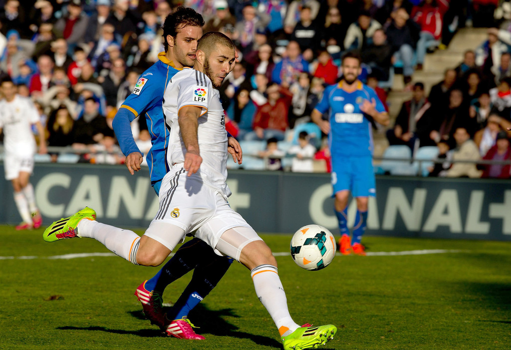Real Madrid Vs Getafe Cf: Karim Benzema In Getafe CF V Real Madrid CF