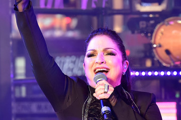 Gloria Estefan TOSHIBA New Years Eve In Times Square