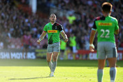 Mike Brown of Harlequins(L) during the Gallagher Premiership Rugby match between Gloucester Rugby and Harlequins at Kingsholm Stadium on September 29, 2018 in Gloucester, United Kingdom.