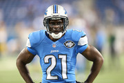 Reggie Bush #21 of the Detroit Lions warms up prior to the start of the game against the Green Bay Packers at Ford Field on September 21, 2014 in Detroit, Michigan.