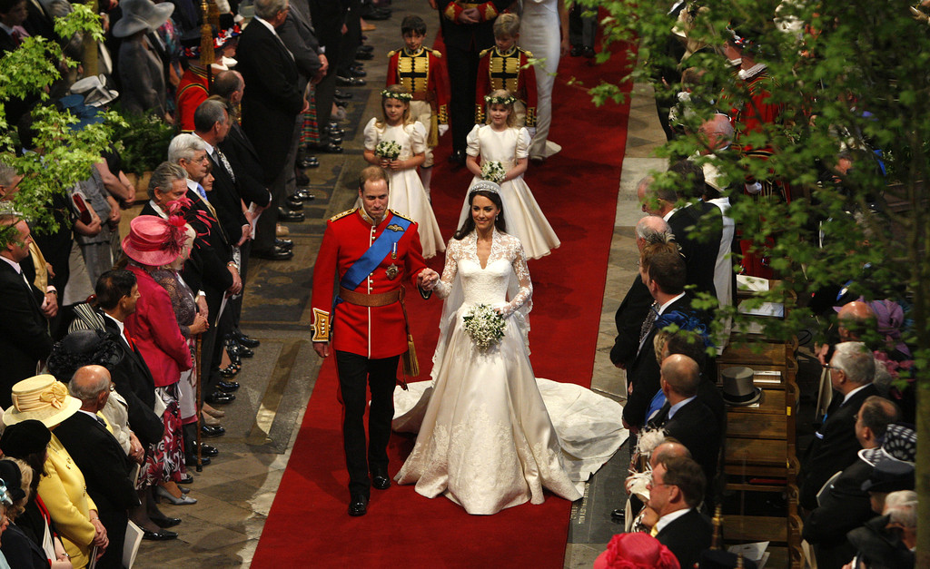 an analysis of the royal wedding of prince william of england and kate middleton See photos of britain's queen elizabeth ii, plus other members of the british royal family, including prince william and kate, prince harry and more.