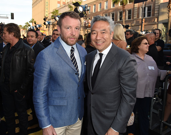 http://www3.pictures.zimbio.com/gi/Guy+Ritchie+Premiere+Warner+Bros+Pictures+O8o3wO-MF6xl.jpg