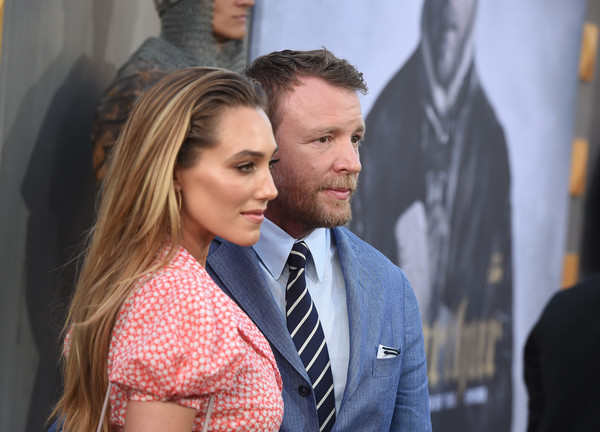 http://www3.pictures.zimbio.com/gi/Guy+Ritchie+Premiere+Warner+Bros+Pictures+lz_C0M67raDl.jpg