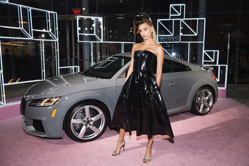 Hailey Baldwin 2018 Whitney Gala Sponsored By Audi