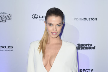 Hailey Clauson Sports Illustrated Swimsuit 2017 NYC Launch Event