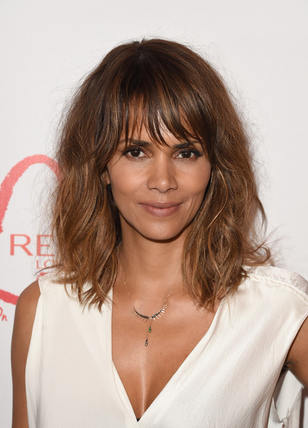 Halle Berry Lunch Celebrates Women Cancer Research - Arrivals [hair,hairstyle,face,bangs,layered hair,blond,brown hair,eyebrow,chin,long hair,arrivals,halle berry,women cancer research,los angeles,four seasons hotel,california,beverly hills,halle berry lunch celebrates women cancer research,lunch celebration]