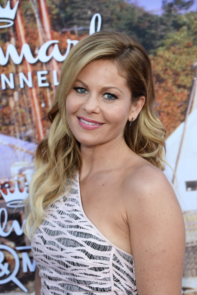 Candace cameron bure photos photos hallmark channel and for Hallmark movies and mysteries channel