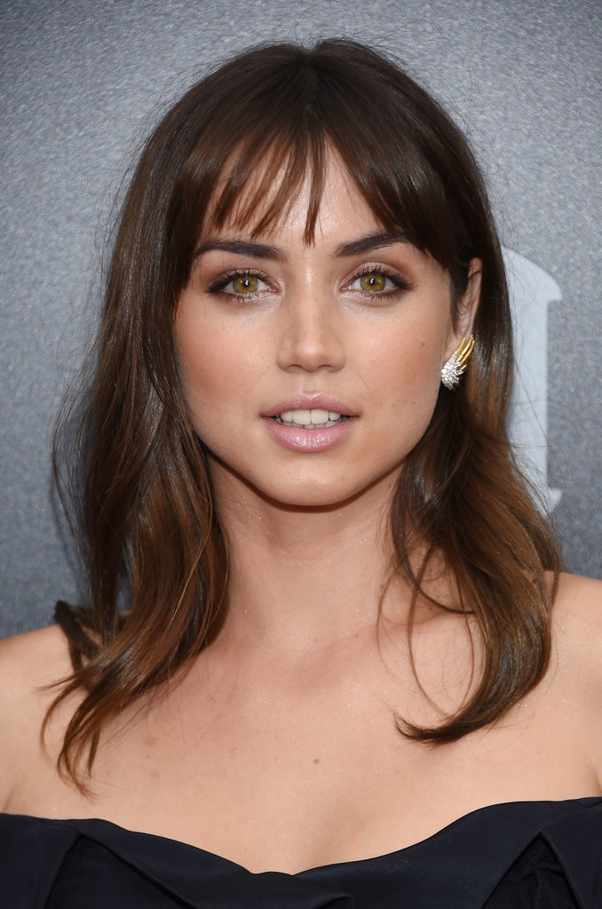 Ana de armas hands of stone 2016 - 1 part 4