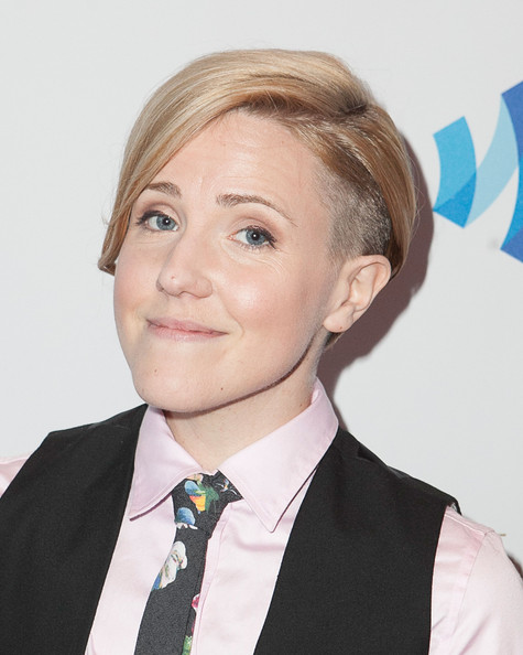 Hannah Hart earned a  million dollar salary - leaving the net worth at 2 million in 2018