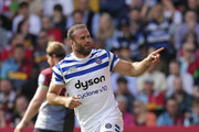Jamie Roberts of Bath Rugby celebrates after scoring their first try during the Gallagher Premiership Rugby match between Harlequins and Bath Rugby at Twickenham Stoop on September 15, 2018 in London, United Kingdom.