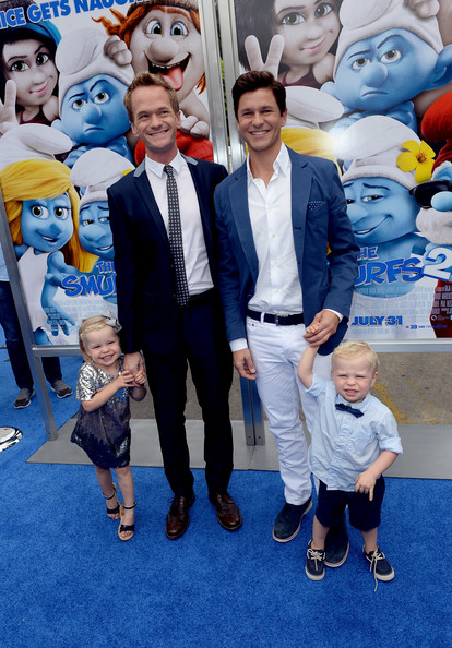 "Harper Grace Burtka-Harris - ""SMURFS 2"" - Los Angeles Premiere - Blue Carpet"