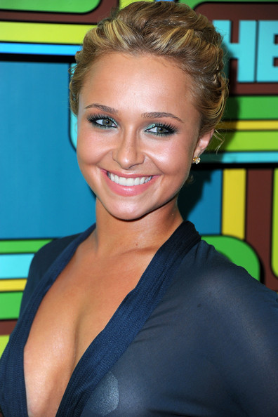 hayden panettiere bob hairstyle back. hayden panettiere bob hairstyle back. ack of hayden panettiere bob. ack of hayden panettiere bob. Loves2spoon. Mar 10, 07:14 PM. Poor Jon Cryer.