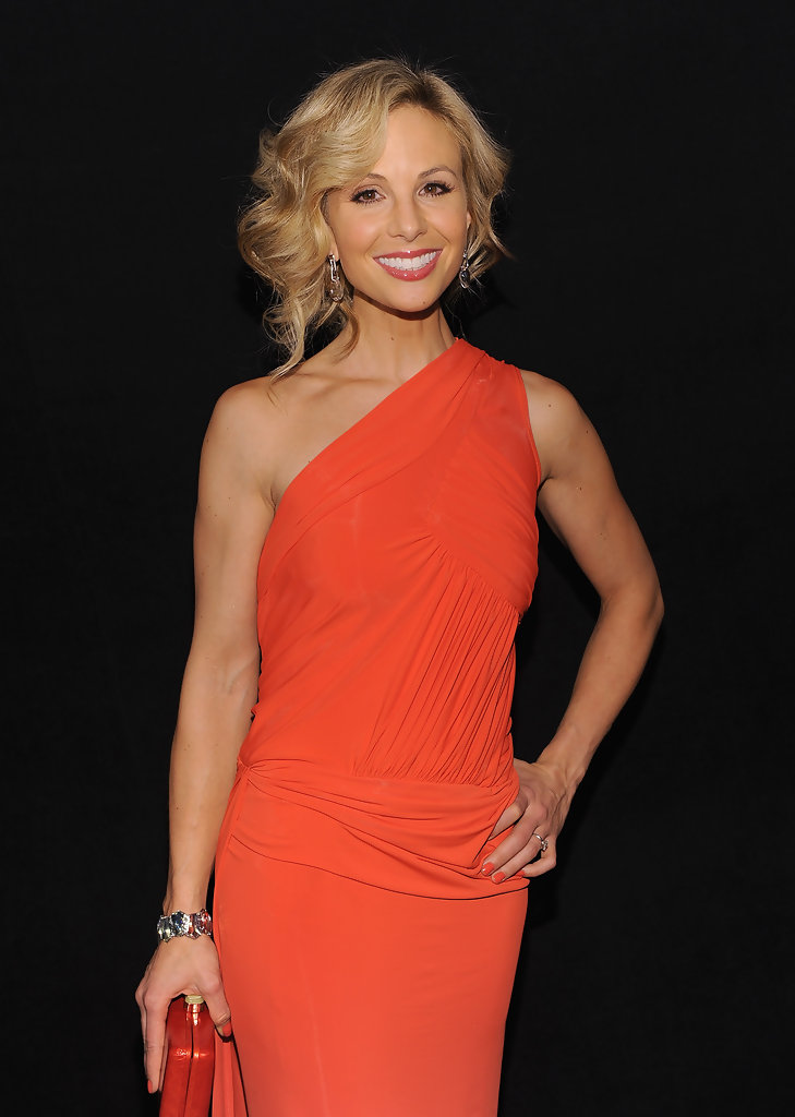 Mercedes Benz Of Music City >> Elisabeth Hasselbeck Photos Photos - Heart Truth's Red ...
