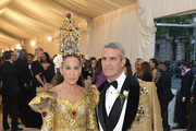 Sarah Jessica Parker and Andy Cohen attend the Heavenly Bodies: Fashion & The Catholic Imagination Costume Institute Gala at The Metropolitan Museum of Art on May 7, 2018 in New York City.