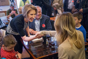 Carly Fiorina campaigns for Republican presidential candidate Sen. Ted Cruz (R-TX) at The Creamery restaurant on March 31, 2016 in De Pere, Wisconsin. Voters in Wisconsin will vote in the state's primary election on April 5.