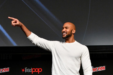 Henry Simmons 2017 New York Comic Con - Day 3