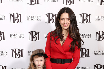 Hilaria Baldwin Badgley Mischka - Backstage - February 2020 - New York Fashion Week: The Shows