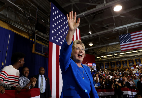 http://www3.pictures.zimbio.com/gi/Hillary+Clinton+Democratic+Presidential+Candidate+LMnmWCs4wQVl.jpg