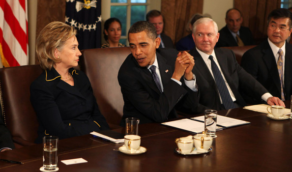 Charmant President Obama Meets With His Cabinet