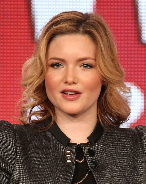 Holliday Grainger - Picture Colection