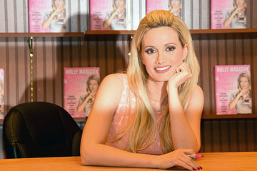 Holly Madison Holly Madison Attends the Book Signing for 'Down The Rabbit Hole: Curious Adventures And Cautionary Tales Of A Former Playboy Bunny'