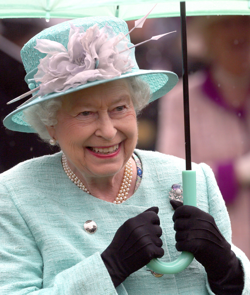 queen elizabeth ii hosts a garden party zimbio