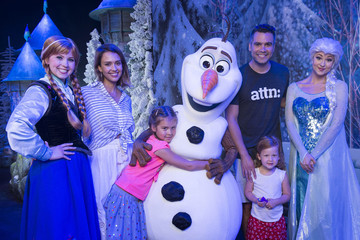 Honor Warren Jessica Alba, Cash Warren and Daughters Visit Walt Disney World