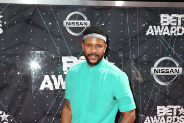 Hosea Chanchez Celebs Arrive at the 2015 BET Awards