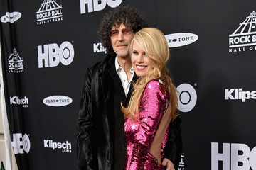 Howard Stern 33rd Annual Rock & Roll Hall Of Fame Induction Ceremony - Arrivals