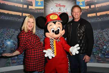 Ian Ziering Disney on Ice Presents Worlds of Enchantment Celebrity Guests (STAPLES Center Los Angeles)