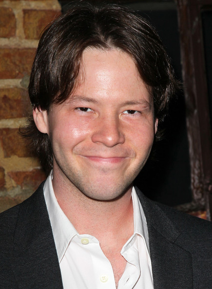 Ike Barinholtz Wallpapers