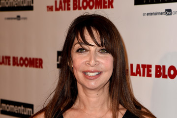Illeana Douglas Premiere of Momentum Pictures' 'The Late Bloomer' - Red Carpet