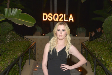 Ireland Baldwin Dsquared2 Celebrates First Boutique
