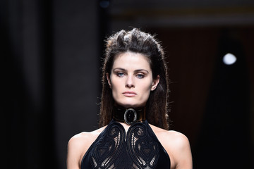 Isabelli Fontana Balmain : Runway - Paris Fashion Week - Menswear F/W 2016-2017
