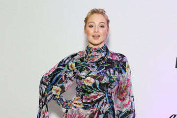 Iskra Lawrence 2018 Glamour Women Of The Year Awards: Women Rise - Backstage